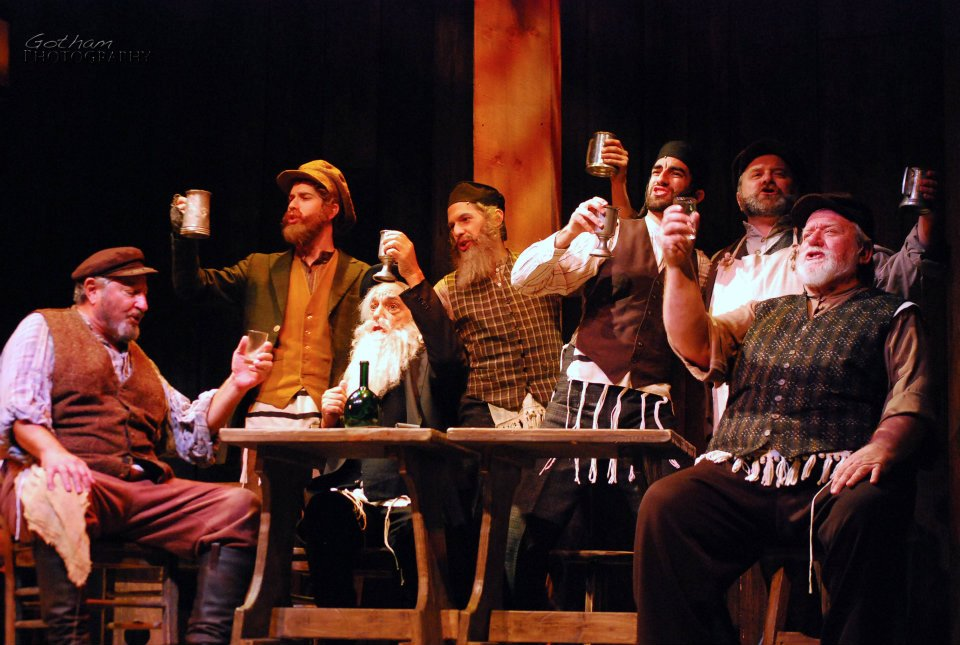 Jacob-Brent_Fiddler-On-The-Roof386824_10150986901082997_1694459320_n.jpg