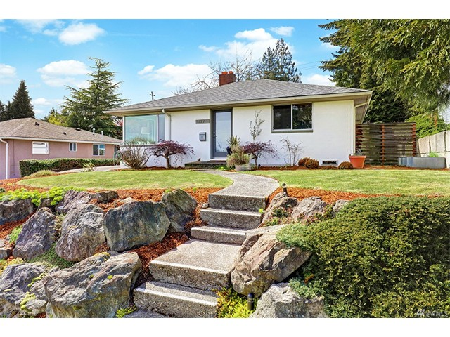 8127 32nd Ave SE, Seattle WA 98126 SOLD for $551,000 For more photos & information, click here