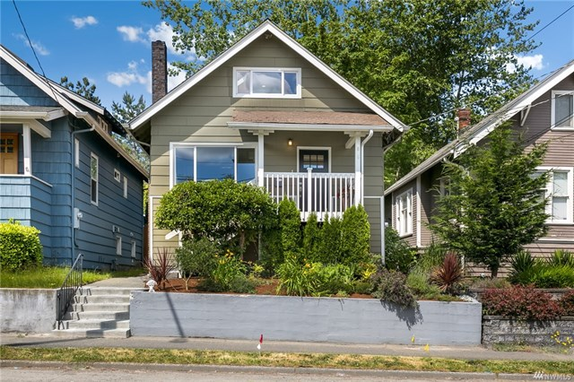 6015 8th Ave NE, Seattle WA 98115  SOLD for $735,000  For more photos & information,   click here.