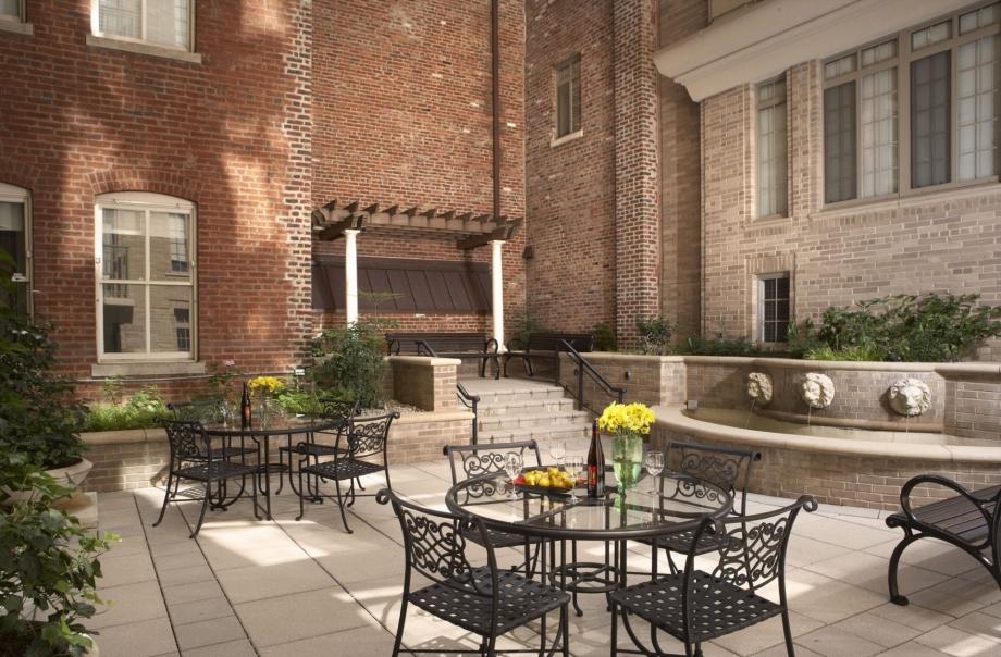 camden-grand-parc-washington-dc-courtyard-17070.jpg