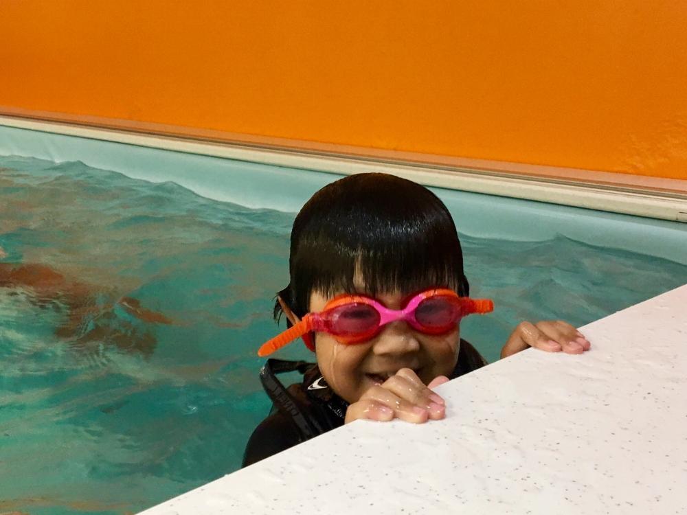 Kids Learn-to-Swim class SwimBox Swim Lessons