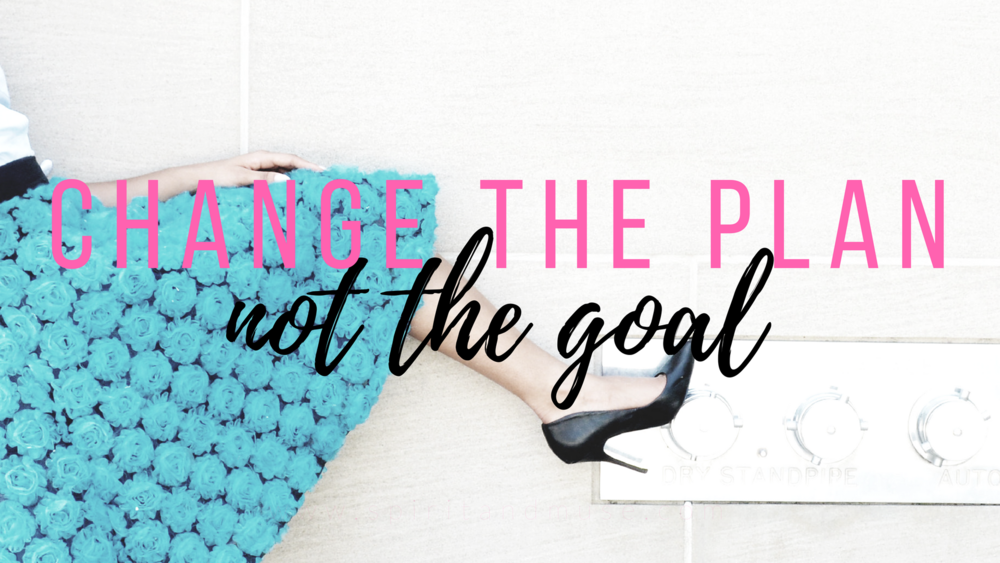 girl boss - goals - free desktop wallpaper