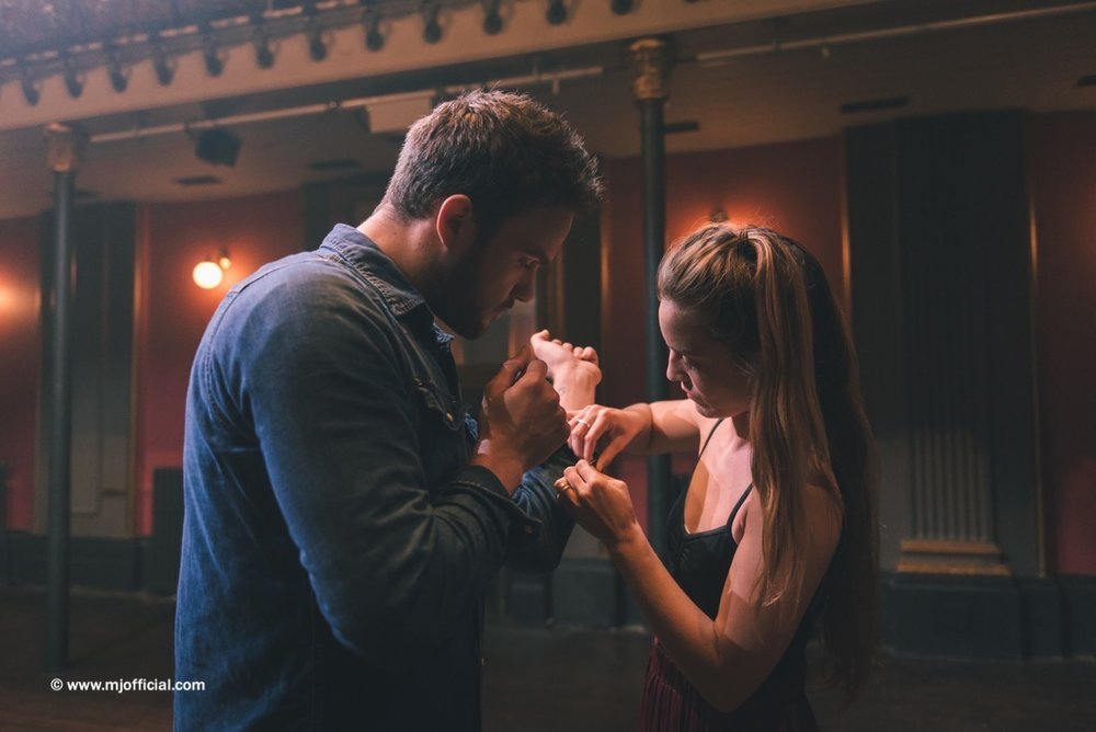 matt-johnson-still-in-love-with-you-behind-the-scenes-images037.jpg