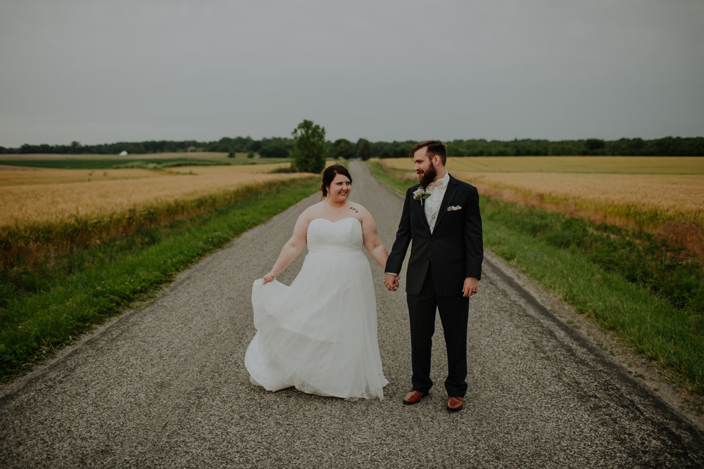 giacomo wedding hidden lake winery midwest illinois country road