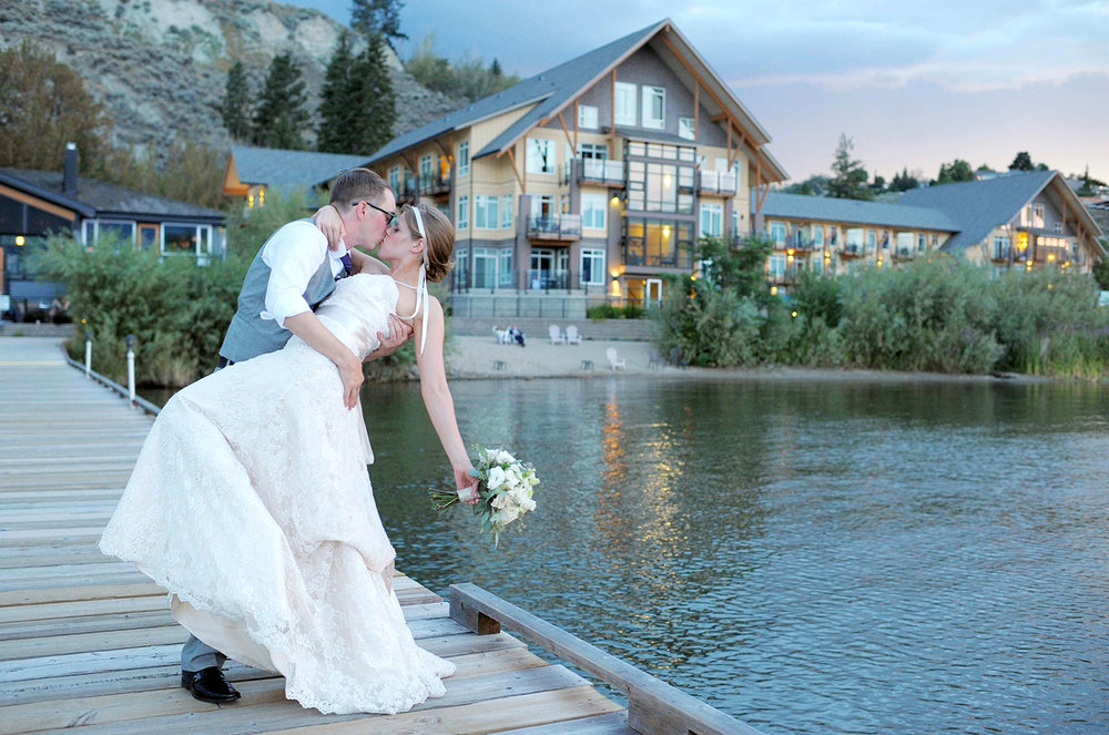 Plan a    Waterfront Wedding