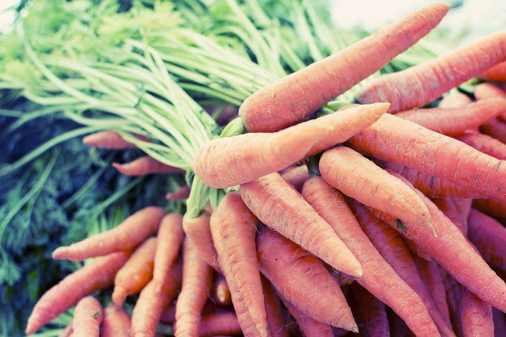 carrot-2556382_1920.jpg
