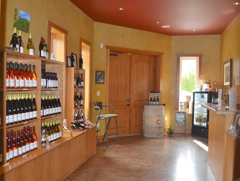 Wine-Shop-1-DSC_0346.jpg