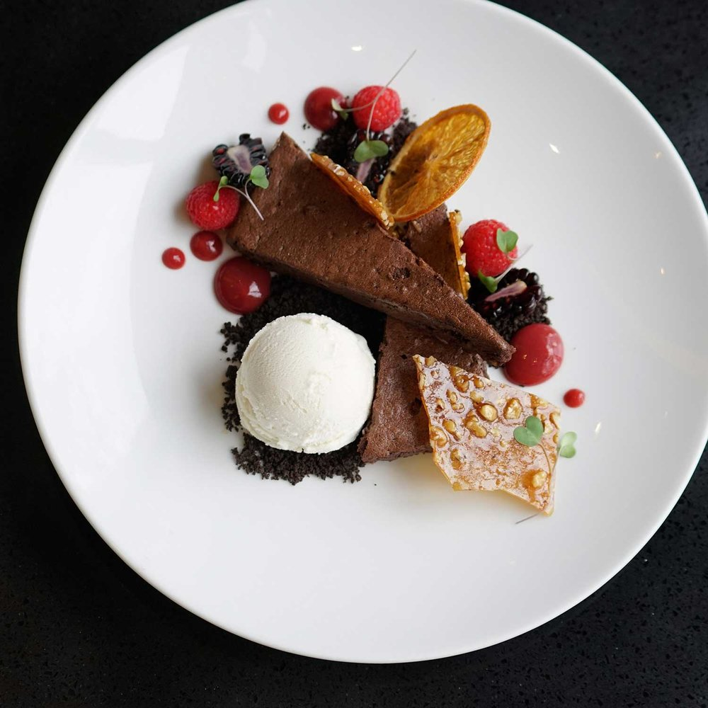 APRON-5---CHOCOLATE-BROWNIE--Chocolate-walnut-bark,-vanilla-glace-(8-of-8).jpg
