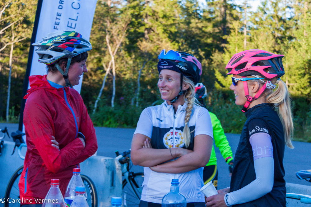 Line Holst, Charlotte Lie, Ingema Vik. Tryvann, Oslo.Foto: Caroline Vamnes/Ladies Edition