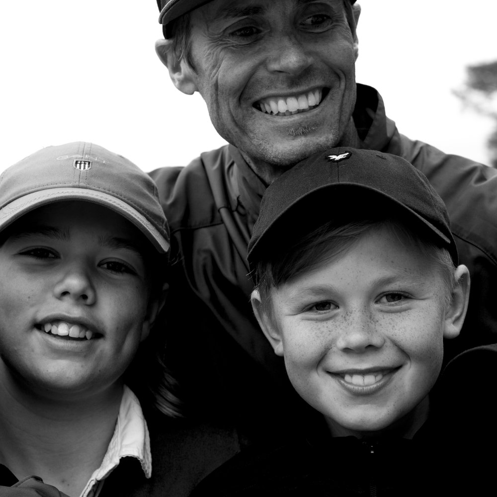 Barn & Ungdom - Visby Golfklubb bedriver en bred juniorverksamhet med fokus på att hitta glädjen i golfspelet. Vi delar upp juniorerna i tre grupper som vardera har två träningar i veckan under hela säsongen, maj-september, med start vecka 19.För anmälan och frågor vänligen kontakta:Martin Bendelin Munkhammar.martin@visbygk.com0498-200939