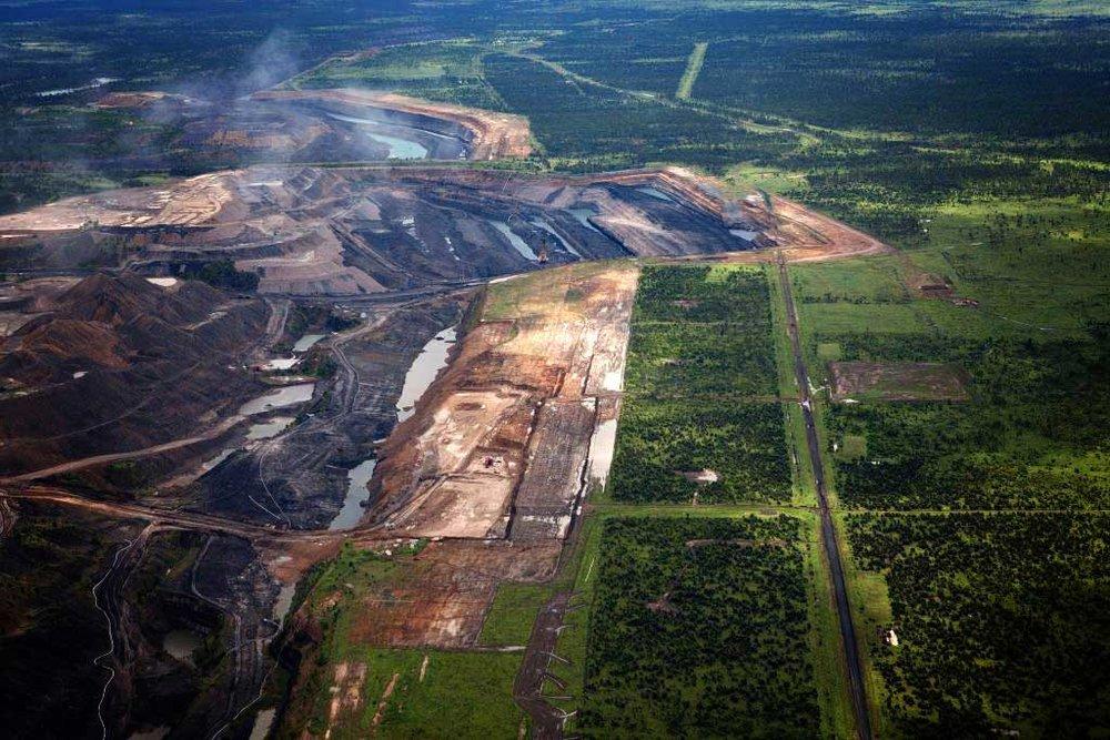 Open pit mining already in the Galilee Basin [source: Greenpeace/Tom Jefferson]