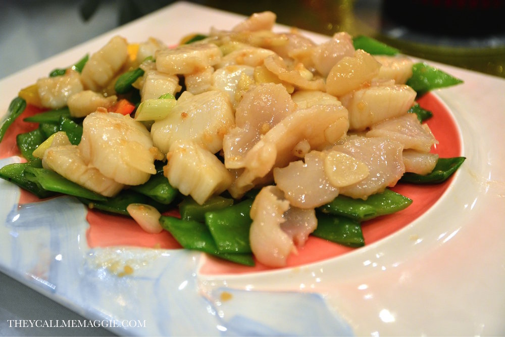 Sauteed fresh pearl meat and scallop.