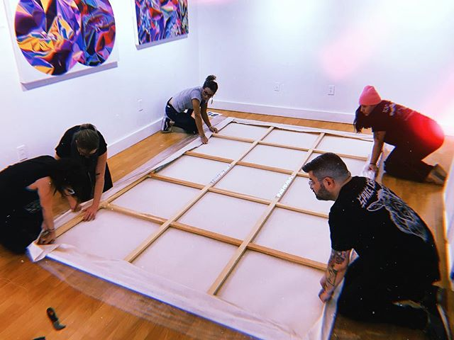 How many people does it take to stretch @kelseybakerinternetsuperstar ginormous painting? 6! These 5 beautiful souls + the person taking the photo! So worth it!