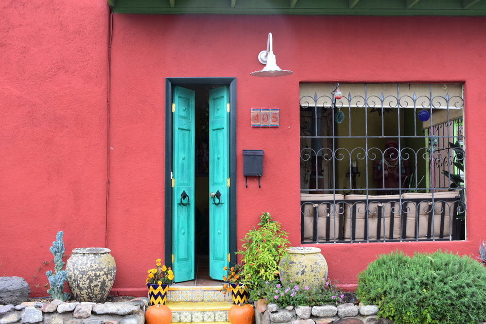 colorful-houses-in-tucson-arizona-barrio-neighborhoods