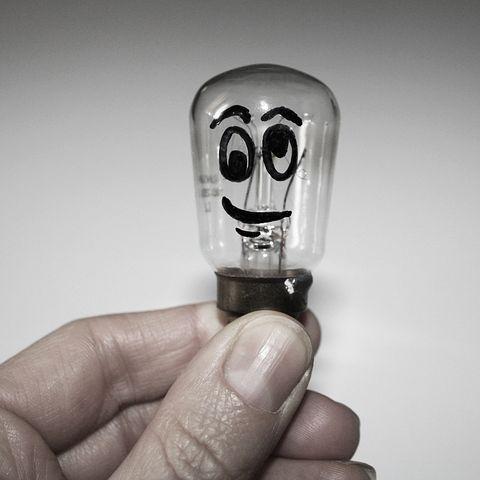 light-bulb-1745913__480.jpg