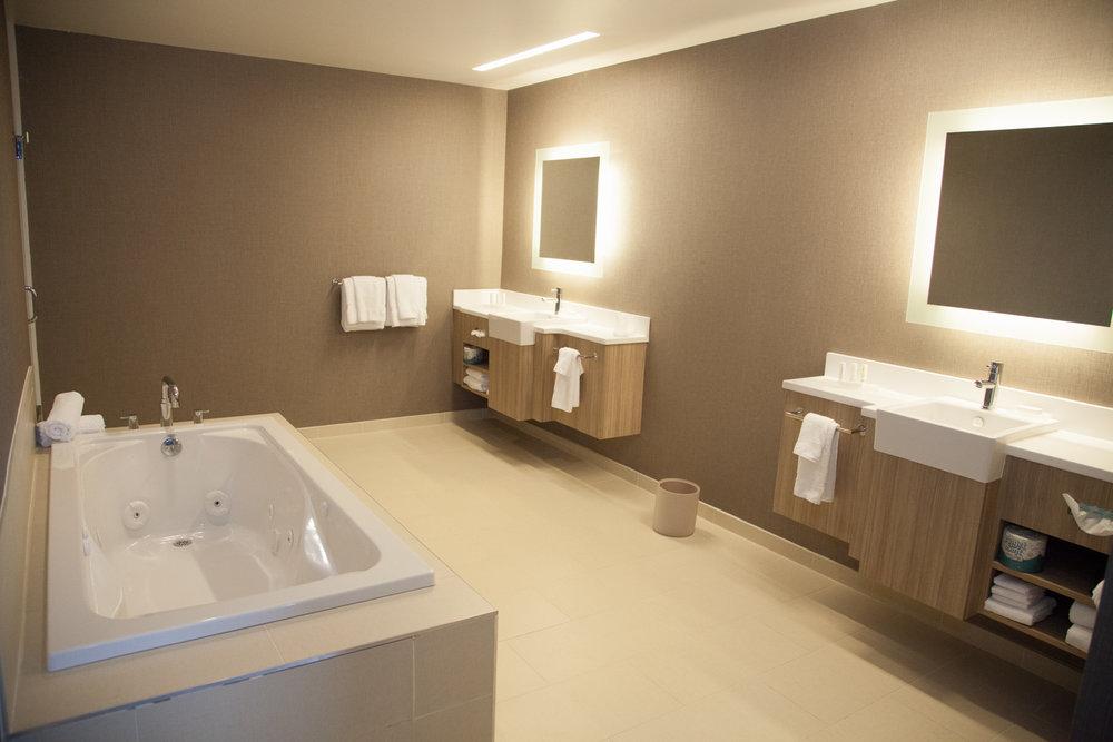 Marriott SpringHill Suites Somerset New Jersey Bedroom Suite Bathroom with Jacuzzi Tub