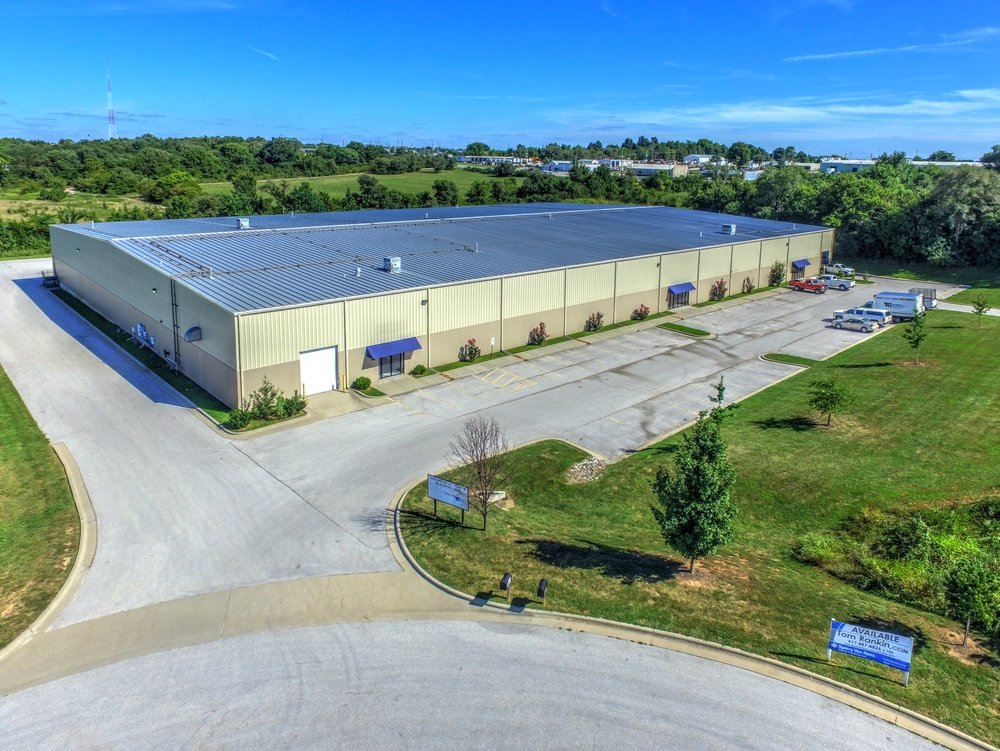 Multi-Tenant Warehouse