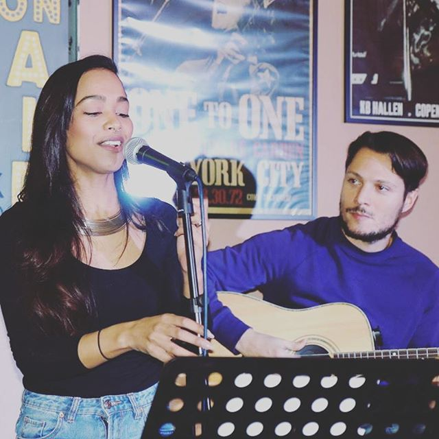 #lastnight #gig with @lorenzobertocchini #fun #samcooke #cover #sunday #duo #reachtheduo #reach #guitar #electricguitar #fender #yellow #vocals #singer #songwriter #husband #wife #chilled #work