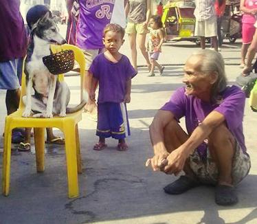 Mang Sergio bei einer Hundeshow mit Princess