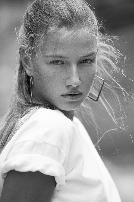Hannah peschanel next model  management shot by samuel sarfati photographer.jpg