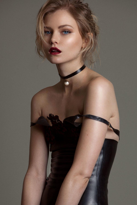 samuel sarfati portrait fashion model synnove london --7.jpg