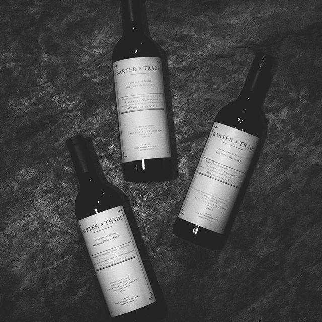 Doing Monday right.⠀ .⠀ .⠀ .⠀ .⠀ .⠀ #wine #washingtonwine #barterandtrade #wawine #winelover #winestagram #winetime #wineoclock #winery #winenot
