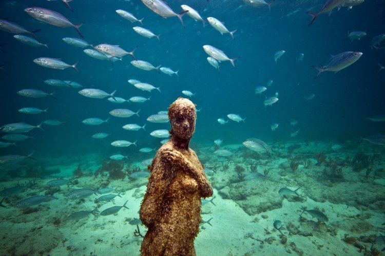 60-overview-jason-decaires-taylor-sculpture.jpg