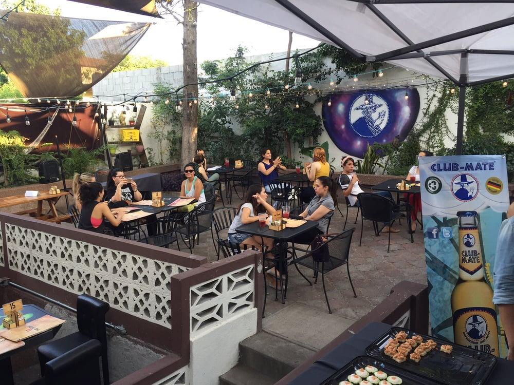 THE NADA, CAFÉ & COMFORT  Ave. Terranova 962, Colonia Vistahermosa, Monterrey, México Telefono: +52 81 1967 4068 www.thenada.mx/