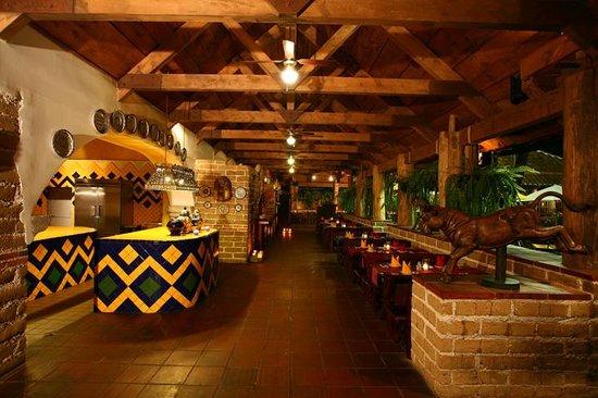 KACAO  1era Avenida 13-51, Zona 10. Ciudad de Guatemala, Guatemala Telefono: +502 2337 4188 www.kacao.com.gt