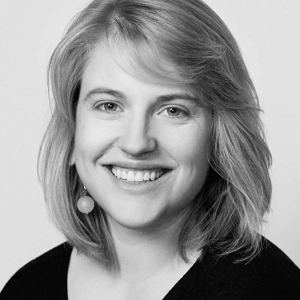 T. ERIN GRUBER  // T. Erin Gruber est scénographe primée, ayant travaillé dans les domaines de concept de décor, éclairage, costumes, et projections multimédia. Elle a obtenu son diplôme de l'Université de l'Alberta avec distinction et est membre fondatrice de la collective de vidéo ShowStages, un groupe qui a pour bût de questionner et pousser les limites du rôle des projections multimédia dans le théâtre. Elle a exposé son art et ses concepts aux niveaux locaux et internationaux. Présentement, ses projets  Café Daughter  (scénographie, Workshop West Playwright's Theatre) et  BEARS  (scénographie, Punctuate! Theatre et Alberta Aboriginal Performing Arts) sont en tournée. Elle a été primée pour son travail sur  The Curious Incident of the Dog in the Night Time  (Décor, éclairage et costumes, Citadel Theatre et Royal Manitoba Theatre Centre; prix Sterling pour l'éclairage),  Category E  (scénographie, Maggie Tree Collective; prix Sterling pour l'éclairage et les projections multimédia). Pour plus d'information, visitez-là en ligne :  www.eringruber.com ,  www.showstages.com