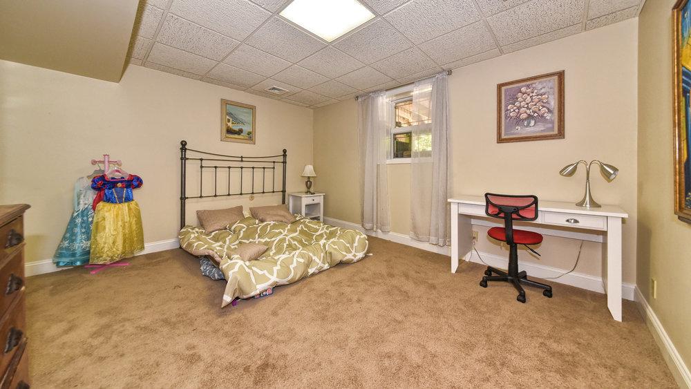 Lower_Level_Bedroom.jpg
