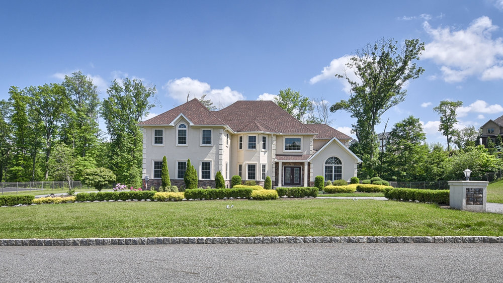 19 Gunters View , Montville Listed for $1,175,000  Situated in one of Montville's most desirable developments, Forest Ridge Estates offers a luxurious lifestyle, privacy and still just minutes to everything...