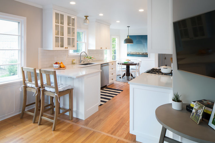 Magnolia Traditional Kitchen — Distinctive Kitchens Seattle