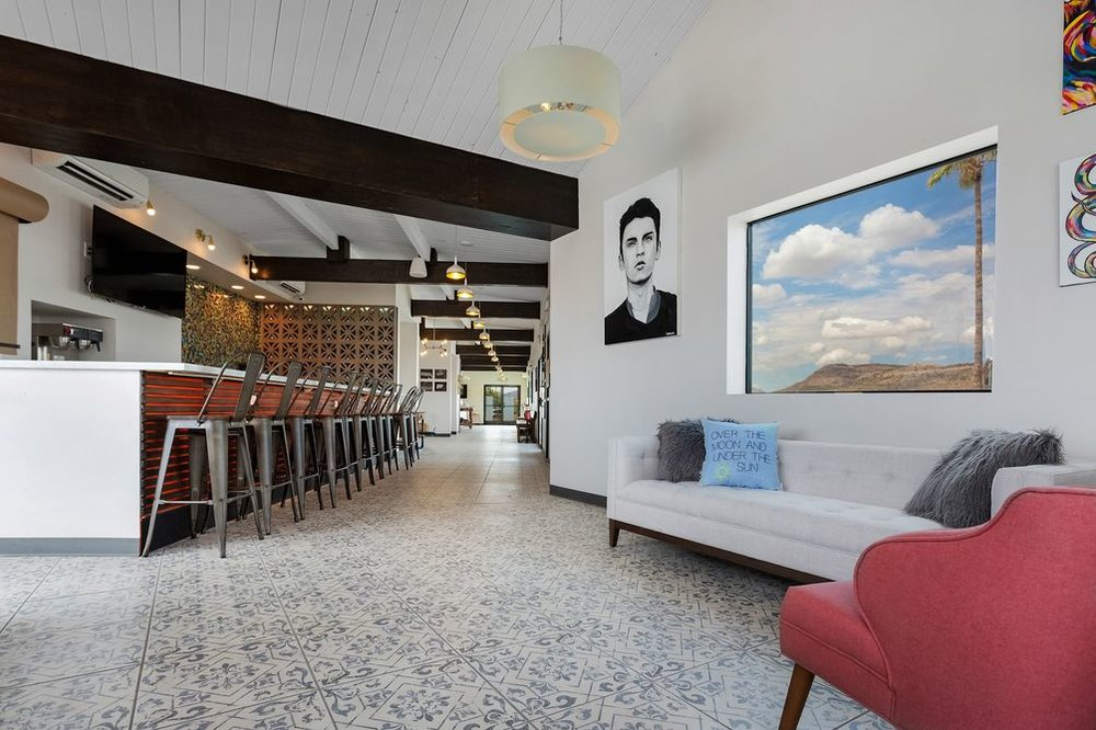 Hotel McCoy - A mid-century modern art hotel just off the freeway and a short drive to downtown!