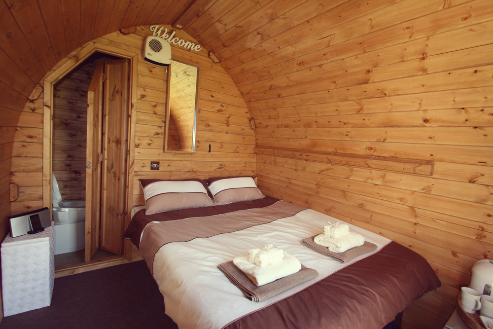 Hotel Bell Tent Accommodation Wooden Suite Hut