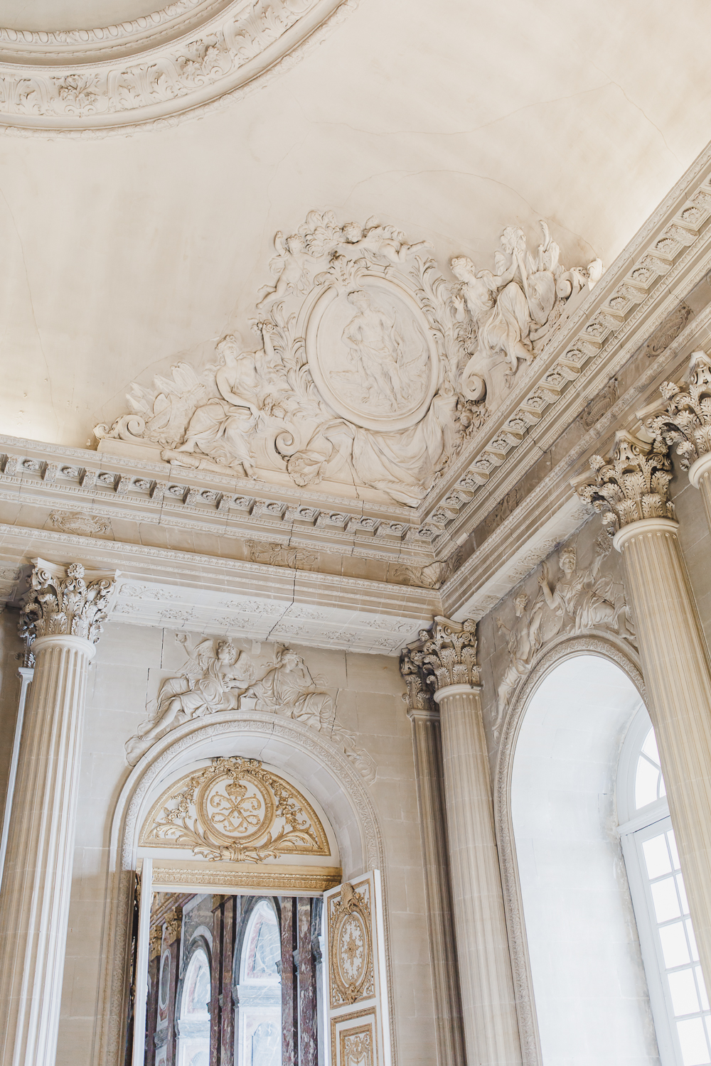 Maral Noori Photography | Versailles Palace, France | Travel Tips and Blog | Ceiling