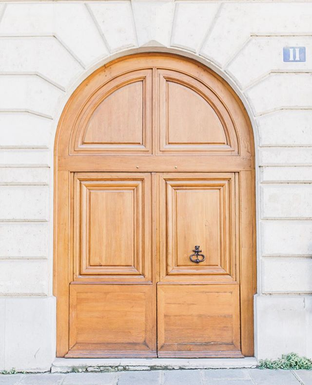 About seven months ago Brian and I went to #Paris and I took a ton of photos. However, with a move, new job, and five weddings I have not had a chance to blog about it. Well, this weekend it will happen and you will get all my #traveltips and stories! #maralaroundtheworld #marallovesdoors