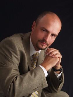 Dr. Krzysztof Biernacki.