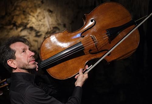 WNH Robert Cohen cello 500 thumb.jpg