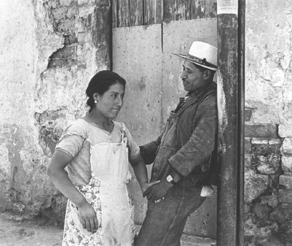 5.Levitt_Mexico 1941_72.jpg