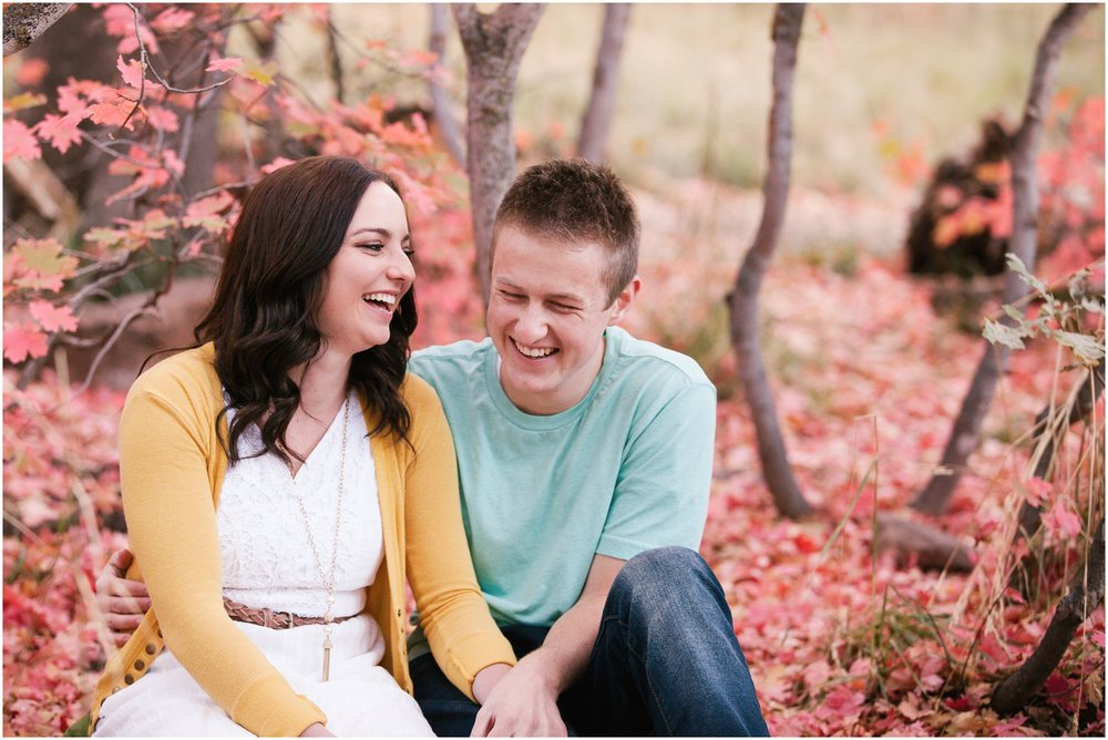 Bo&Alyssa-41_Lizzie-B-Imagery-Utah-Wedding-Photographer-Central-Utah-Photographer-Utah-County-Engagements.jpg