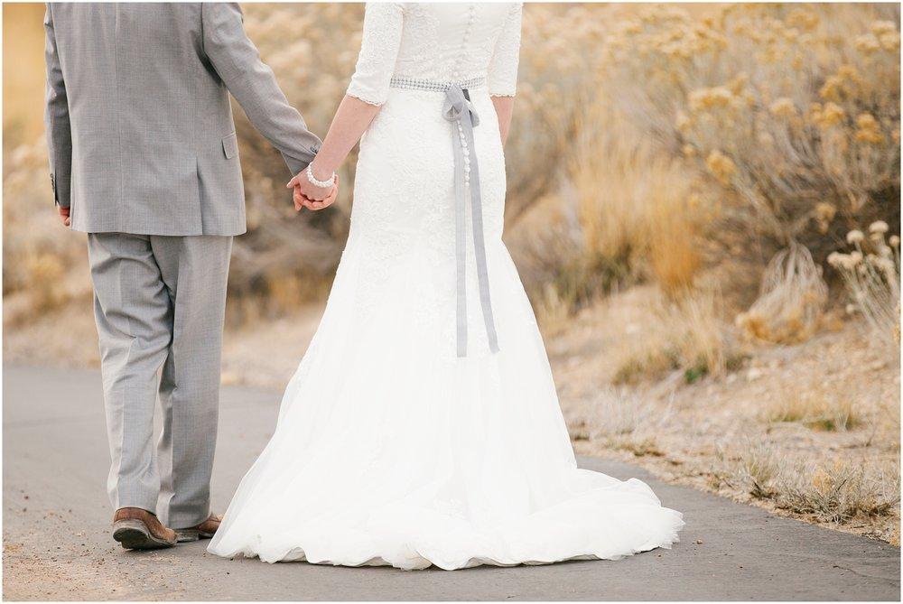 BA-Bridals-177_Lizzie-B-Imagery-Utah-Wedding-Photographer-Central-Utah-Photographer-Utah-County-Manti-Utah-Temple.jpg