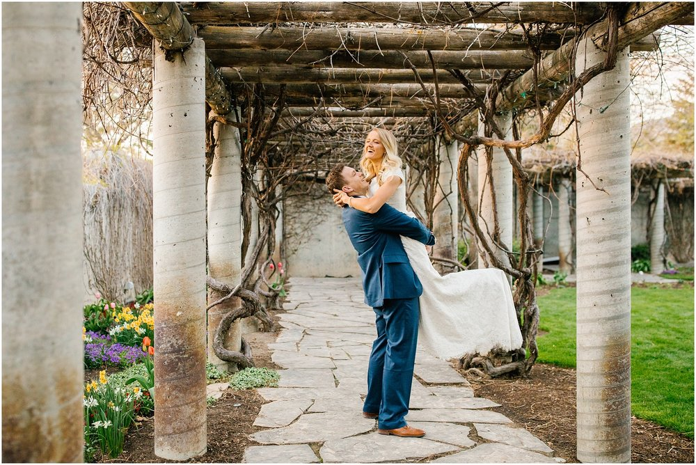 Lizzie-B-Imagery-Utah-Wedding-Photographer-Thanksgiving-Point-Payson-Temple_0024.jpg