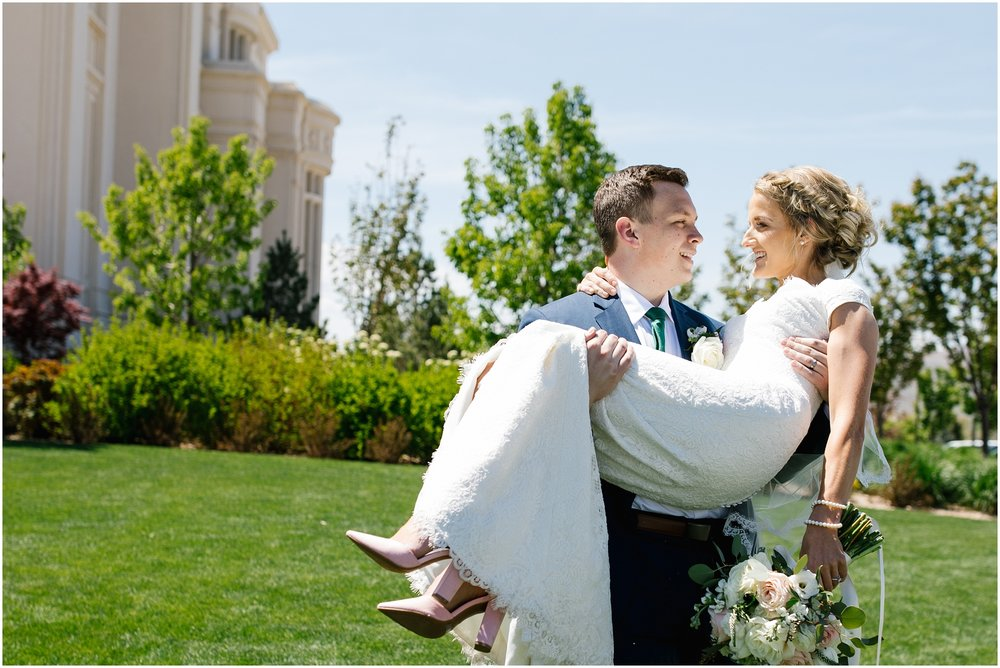 Lizzie-B-Imagery-Utah-Wedding-Photographer-Thanksgiving-Point-Payson-Temple_0057.jpg