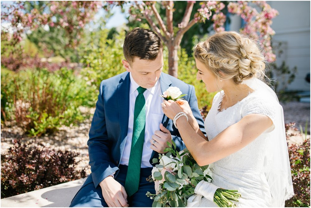 Lizzie-B-Imagery-Utah-Wedding-Photographer-Thanksgiving-Point-Payson-Temple_0067.jpg