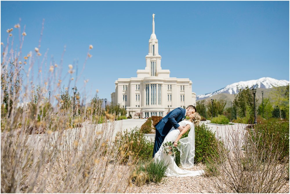 Lizzie-B-Imagery-Utah-Wedding-Photographer-Thanksgiving-Point-Payson-Temple_0070.jpg