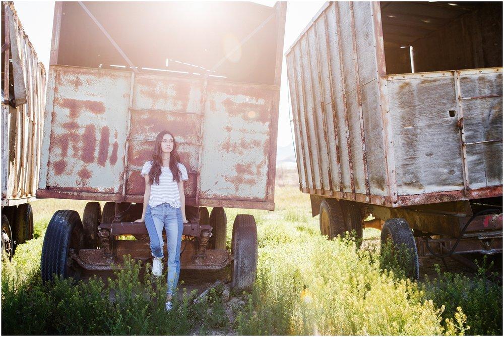 Lizzie-B-Imagery-Utah-Senior-Photographer-Central- Utah-Photographer-Utah-County_0020.jpg