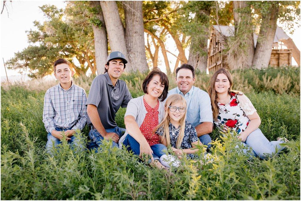 Blackburn--2_Lizzie-B-Imagery-Utah-Family-Photographer-Central-Utah-Photographer-Utah-County-Extended-Family.jpg
