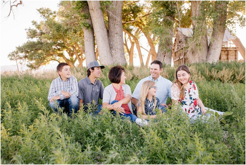 Blackburn--5_Lizzie-B-Imagery-Utah-Family-Photographer-Central-Utah-Photographer-Utah-County-Extended-Family.jpg
