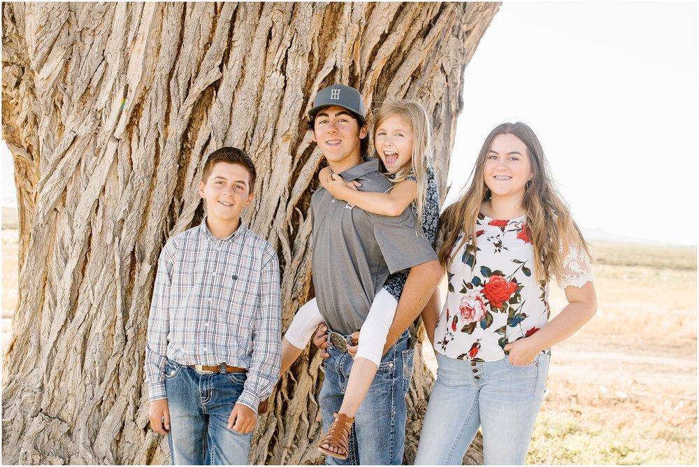 Blackburn--48_Lizzie-B-Imagery-Utah-Family-Photographer-Central-Utah-Photographer-Utah-County-Extended-Family.jpg